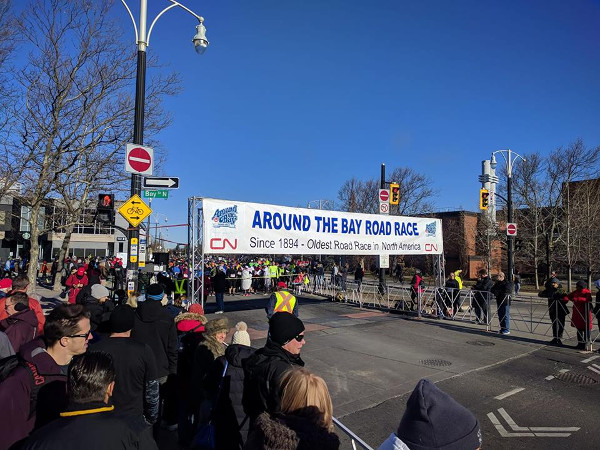 Around the Bay 2018 Starting Line